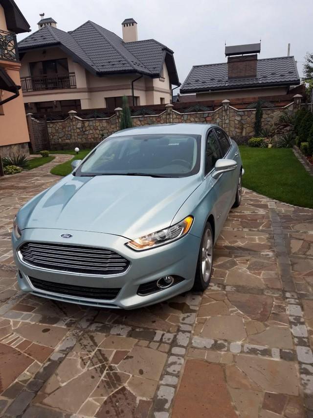Ford Fusion Hybrid 2014
